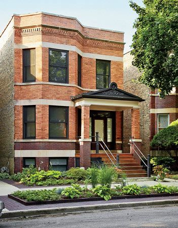 The House Looks Like A Typical Chicago Two Flat From The Street But It Was Blown Out To Allow For Open S Chicago Buildings Chicago House Modern Exterior Doors
