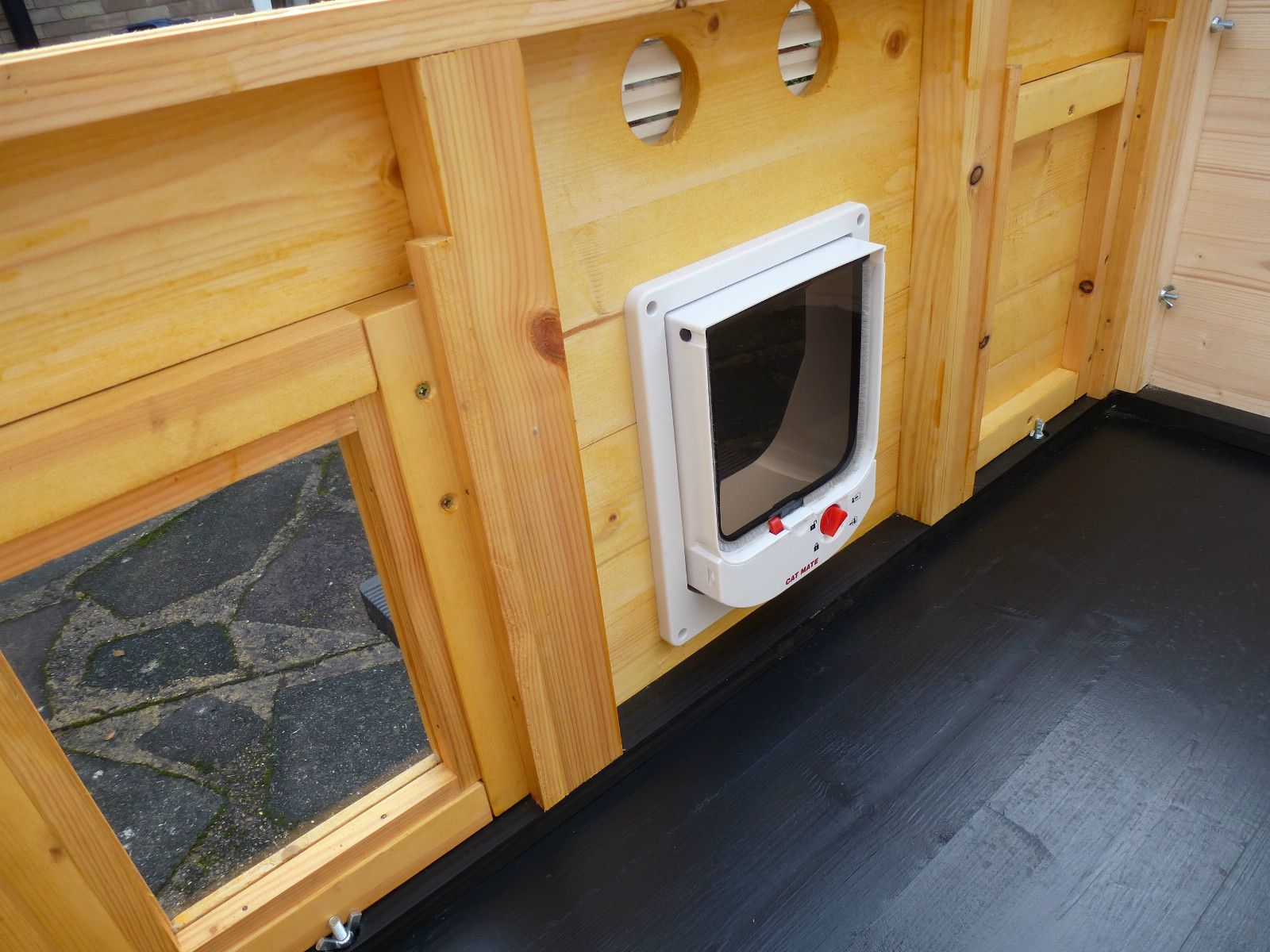 how to build a wooden cat house for outside