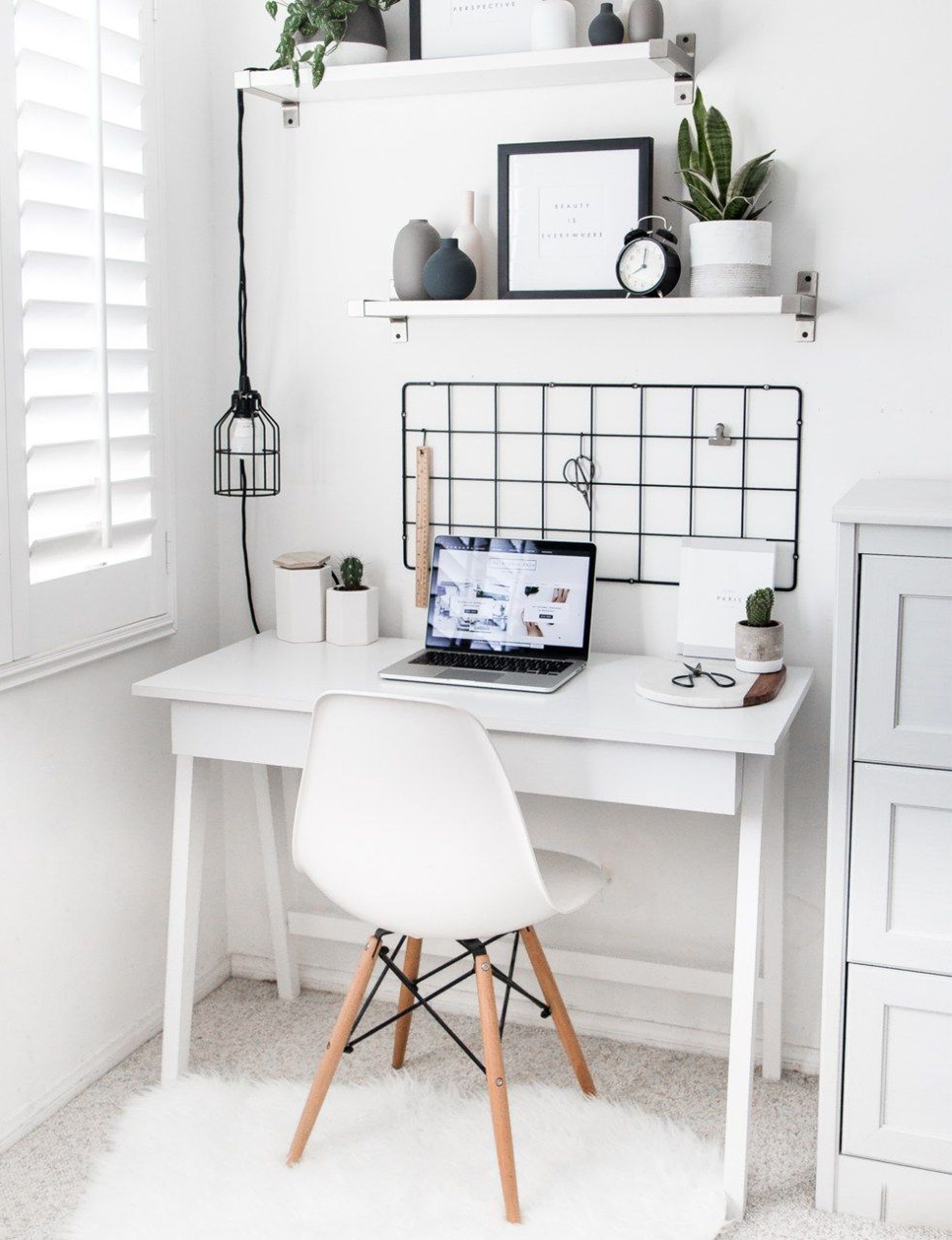 30 Minimalist Living Room Ideas Inspiration To Make The Most Of Your Space: 7 Stylish Ways To Make The Most Of A Small Office Space