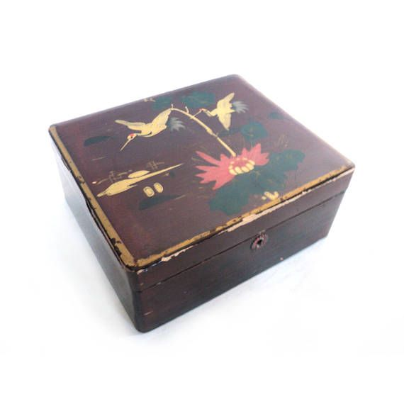 red burgundy lacquered trinket box vintage boxes and tins trinket boxes box antiques. Black Bedroom Furniture Sets. Home Design Ideas
