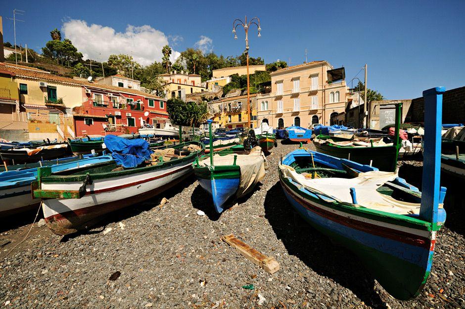 #Italie - Bateaux à Santa Maria la Scala #Sicile #Sicily #Italy