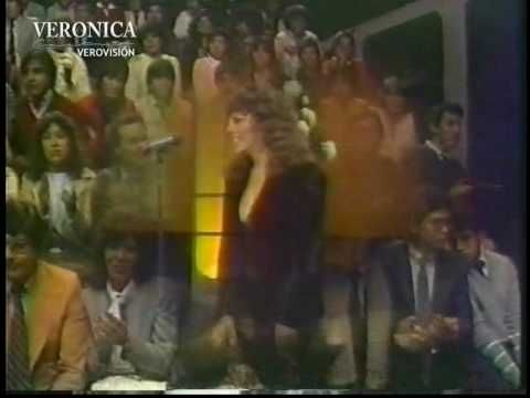 Recibimiento de Verónica Castro en el programa En vivo conducido por Ricardo Rocha, a su regreso triunfal de Italia.