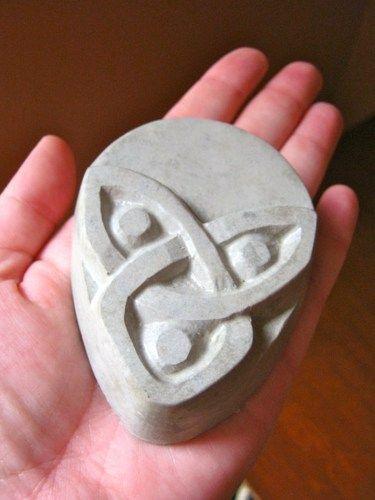 Celtic Kno Concrete Plant Pot Risers Set Of 3 Flower Pot Feet Concrete Plant Pots Flower Pots Concrete Statues