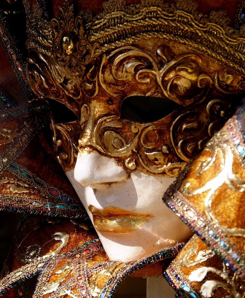 Stars Without Makeup | Drama masks, Comedy tragedy masks ...