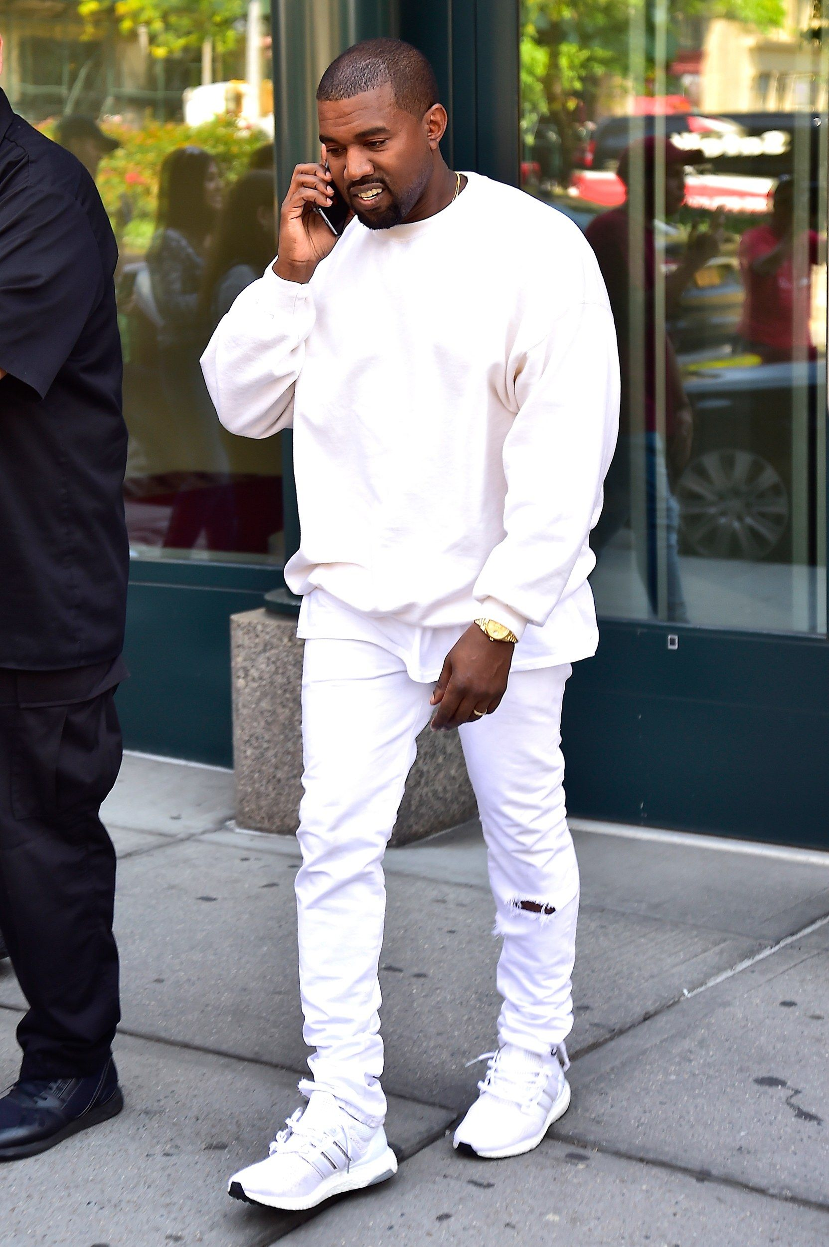 How To Ace Kanye West S Effortless Summer Style Kanye West Style Kanye West Outfits Kanye West