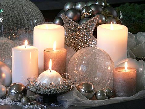 Weihnachtlich Dekorieren Mit Stumpen Kerzen In Verschiedenen Formen