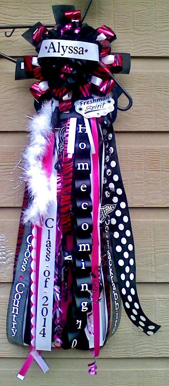 The Domestic Curator: More Big Ole Texas Homecoming Mums #homecomingmumsdiy