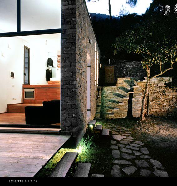 Residencia Tres Niveles (Three Levels) by Studioata. Alassio, Liguria, Italia. 35 m2