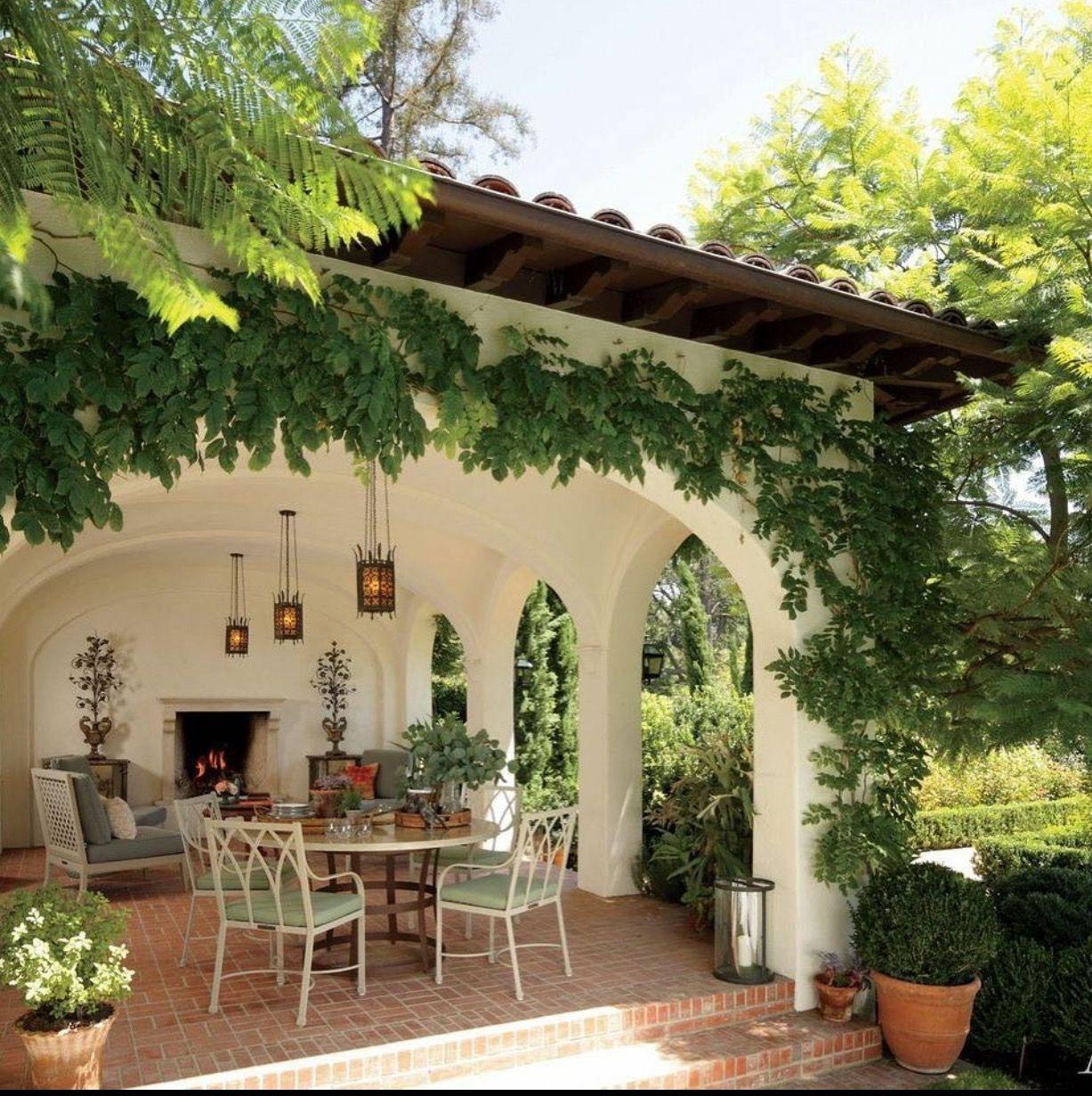 Pin de lauren tyson en patios pinterest corredores for Casas para terrazas