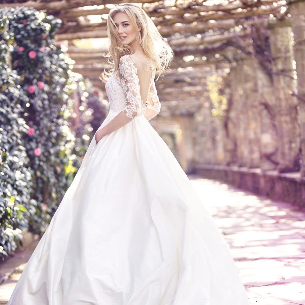 Where can i rent a wedding dress   Wedding Dress Hire Berkshire  Dressy Dresses for Weddings Check
