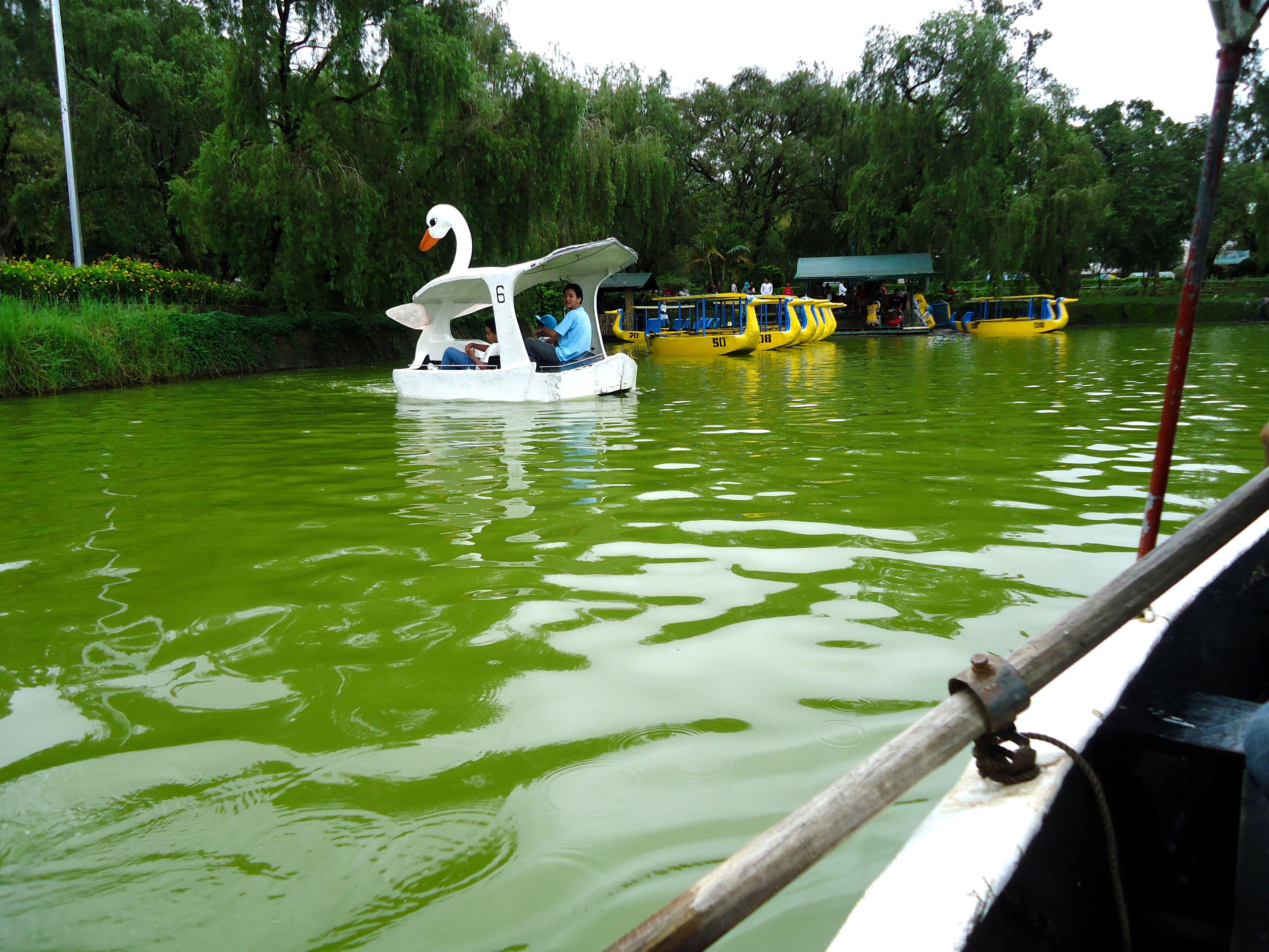 Burnham Park Lake Baguio Philippines travel, Mindanao