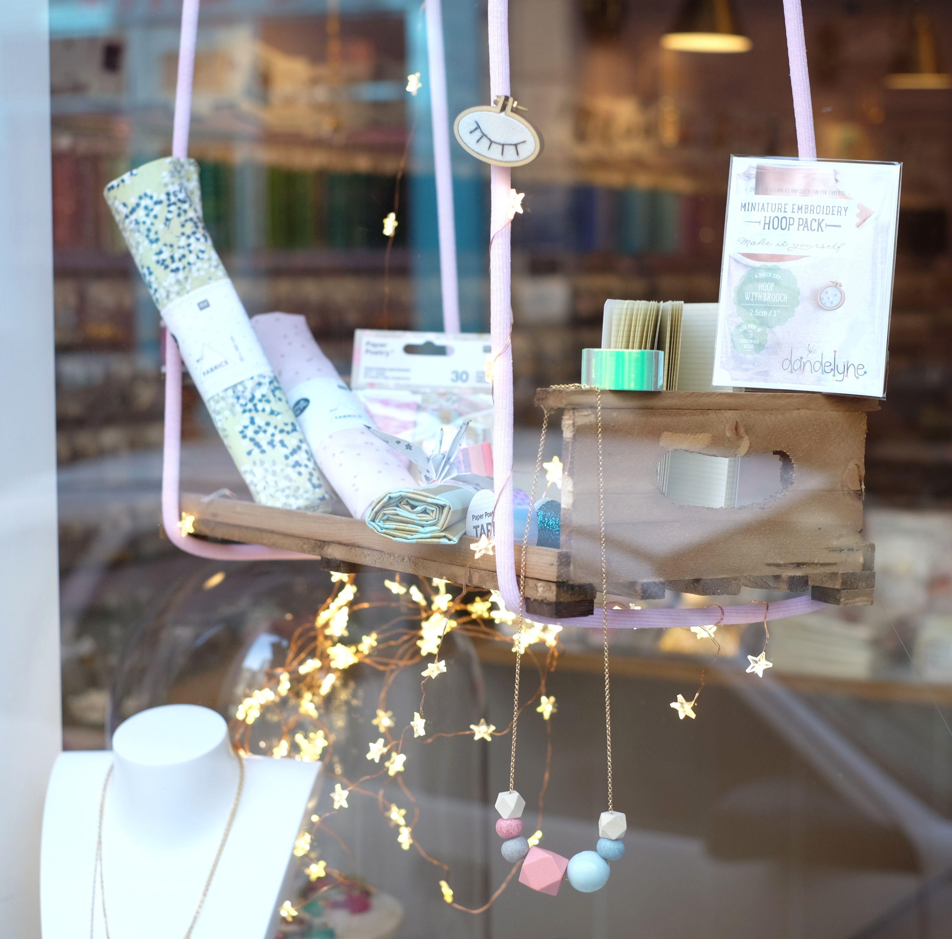 Vitrine boutique Perles Corner Paris Oberkampf #diy #vitrine #shop