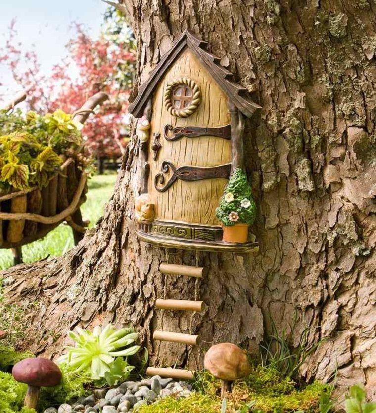 casetta con albero in ceramica con un effetto realistico Miniature - jardines navideos