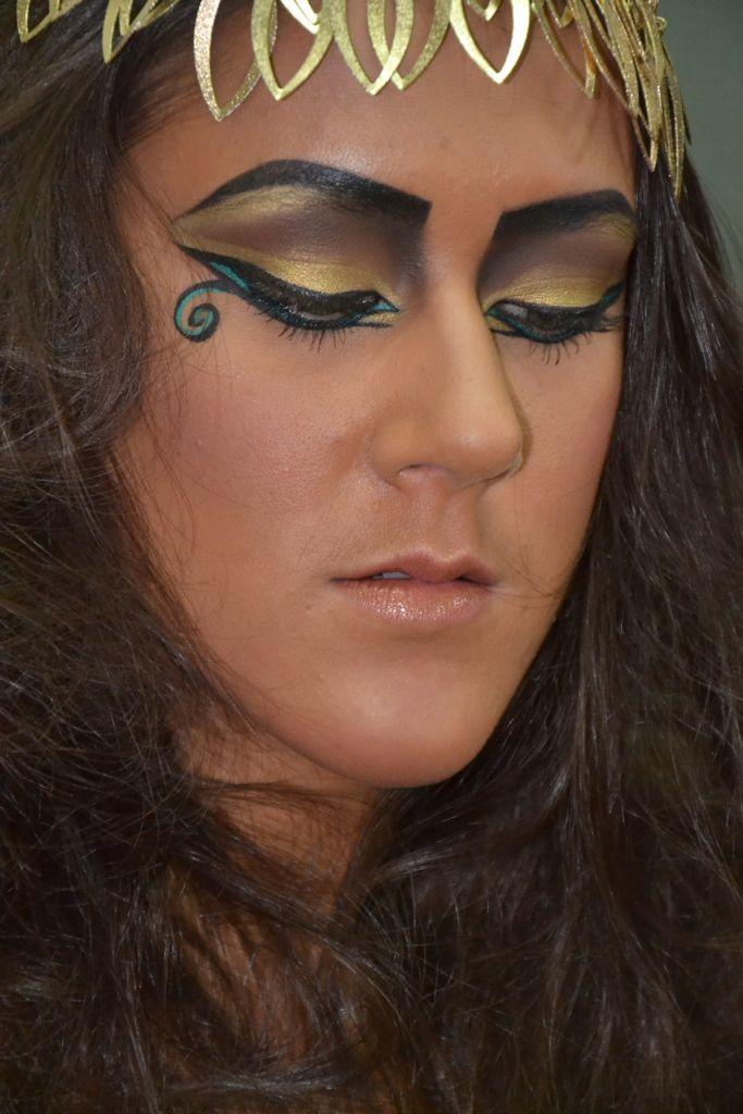 maquillage gyptien egypte et pharaons pinterest maquillage gyptien egyptien et maquillage. Black Bedroom Furniture Sets. Home Design Ideas