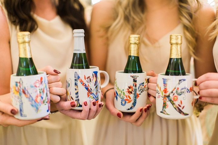 Champagne and personalised mug as bridesmaid's gift #bridesmaidgift #wedding