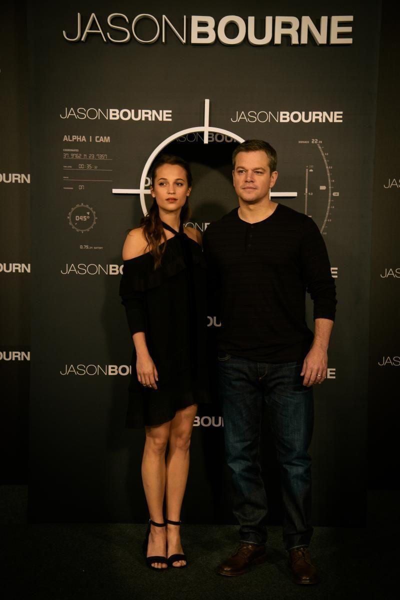 Jason Bourne Matt Damon Y Heather Lee Alicia Vikander Jason Bourne 2016 Jasonbourne Mattdamon Fil Matt Damon Jason Bourne Jason Bourne Bourne Movies
