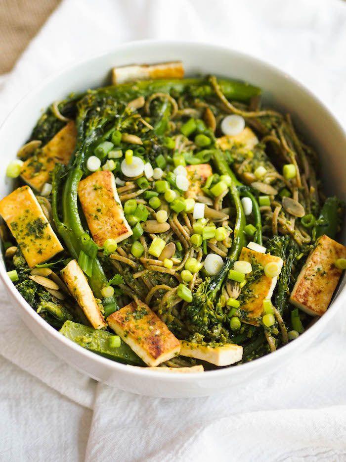 Vegan Cilantro Pesto Soba Noodle Bowl With Seared Tofu And Broccolini Comida Pasta