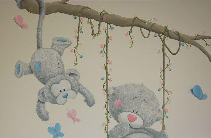 Aapje en beertje muurschildering voor in de babykamer gemaakt door BIM Muurschildering. Kan naar wens aangepast worden.   me to you bear and monkey mural painting nursery
