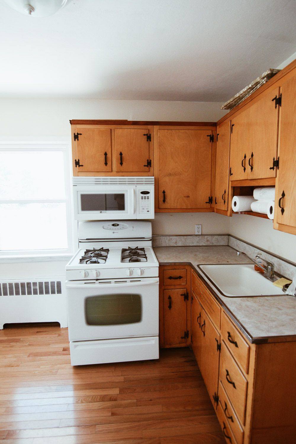 Kitchen Before After How I Painted My Kitchen Cabinets White Steffy In 2020 Shabby Chic Kitchen Cabinets Budget Kitchen Remodel Kitchen Cabinets Before And After