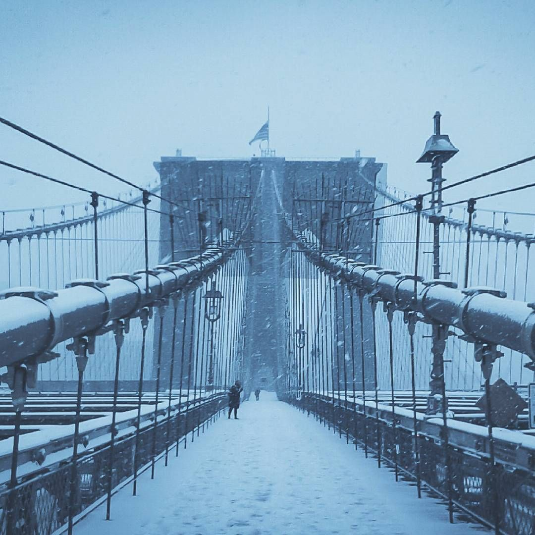 The traveler sees what he sees, the tourist sees what he has come to see. Snowy day on the Brooklyn bridge!!