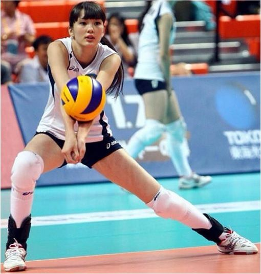 Meet Sabina Altynbekova The Volleyball Babe Whose Beauty Attracts Crazy Fans Photo Volleyball Poses Volleyball Pictures Sport Volleyball