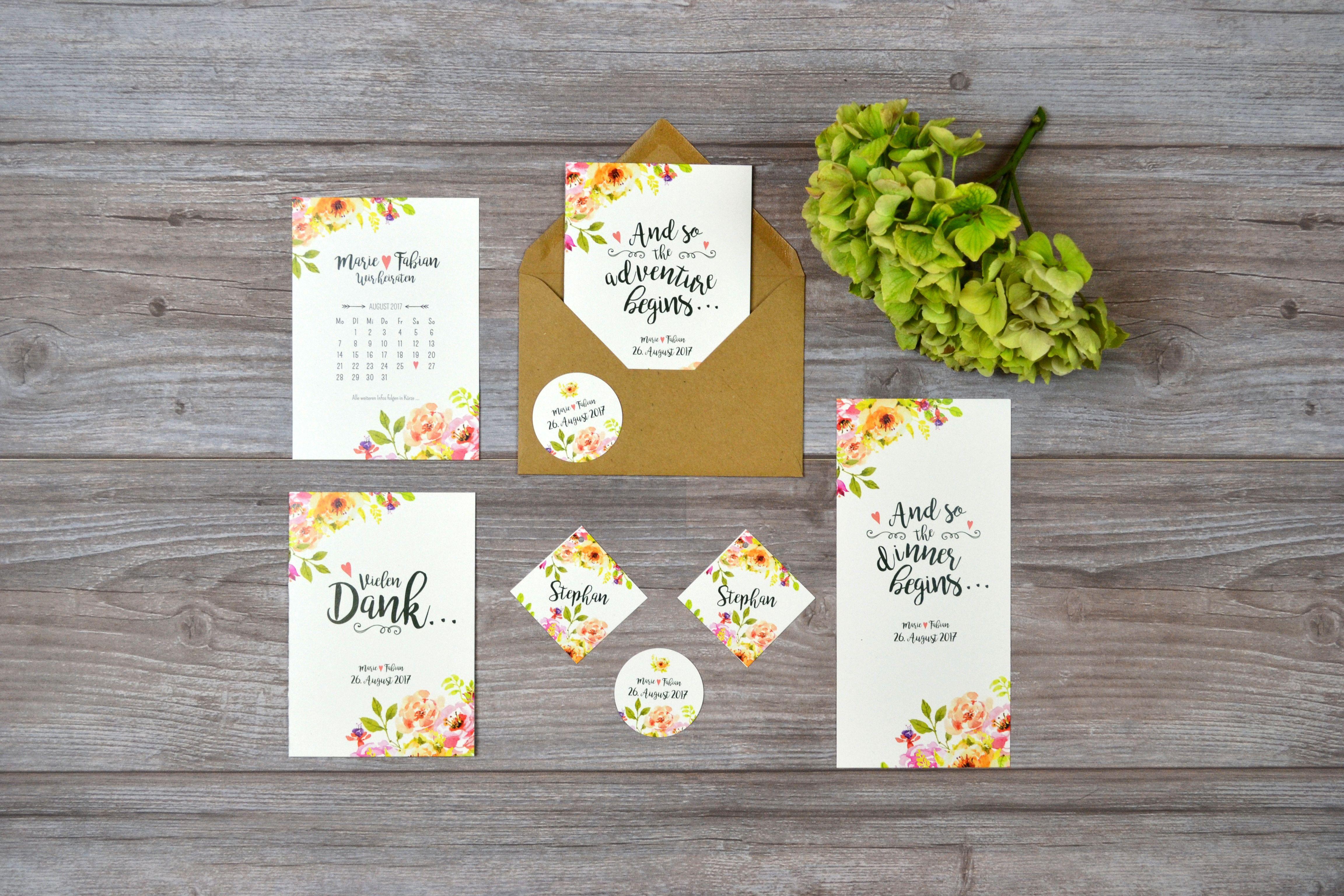 Verspielte Hochzeitseinladungen Save the Date Kalender Adventure