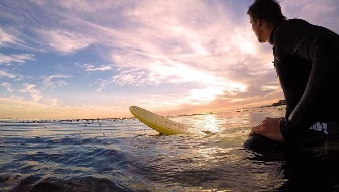 24 Pictures That Will Make You Want To Take An Adventure - Surfing