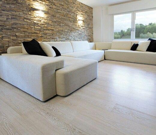 Pavimento legno nel 2019 arredamento arredamento for Pavimenti per soggiorno