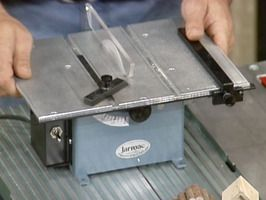 miniature table saws are gaining in popularity
