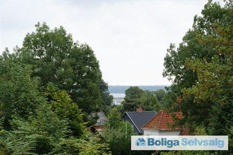 Ndr Kirkegårdsalle 4, 1. th., 8700 Horsens - Lækker, spændende lejlighed i attraktivt kvarter med kig til fjord! #horsens #ejerlejlighed #boligsalg #selvsalg