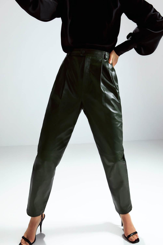 Lo Nuevo De Zara Te Va A Alucinar Pantalones De Cuero Negros Pantalones De Piel Pantalones