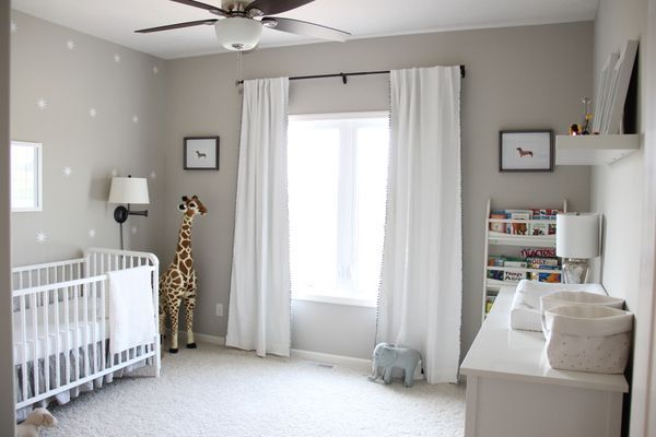 Gender neutral gray zoo themed nursery design gray baby for Gender neutral bedroom ideas