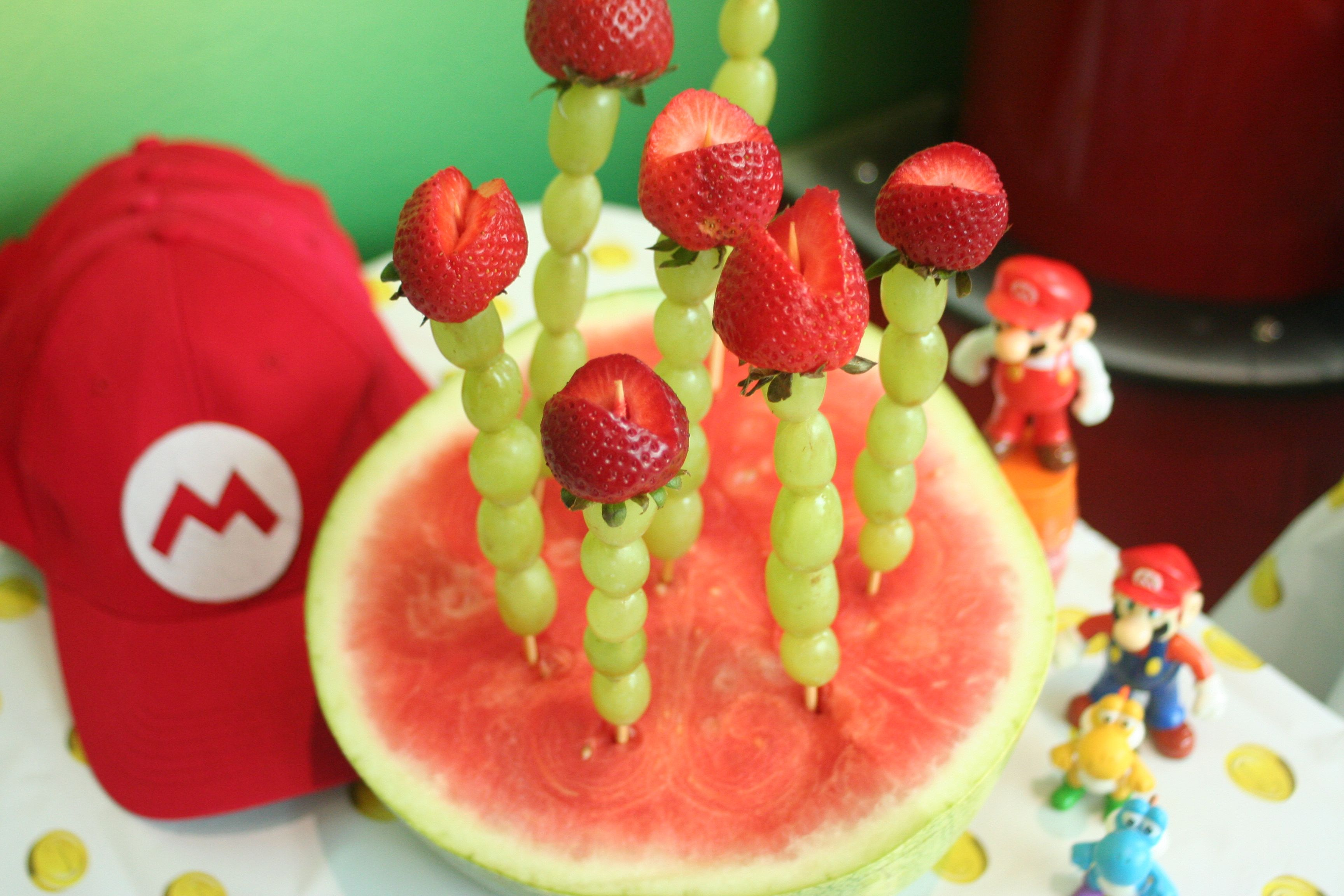 Super Mario Piranha vines! skewers, green grapes and strawberries. Easy and a show stopper! :) #SuperMario