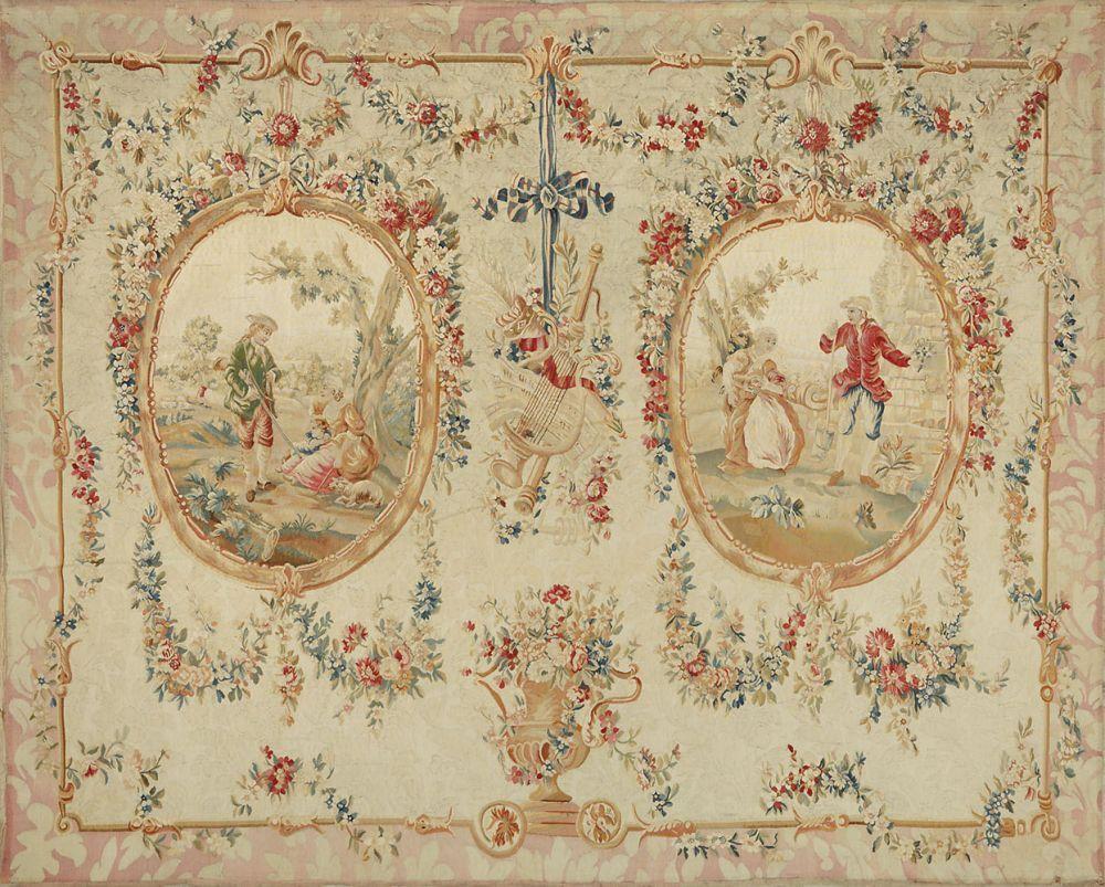 Große Louis XV-Tapisserie Wolle mit Seide in unterschiedlichen Creme-, Beige- und Rosétönen sowie