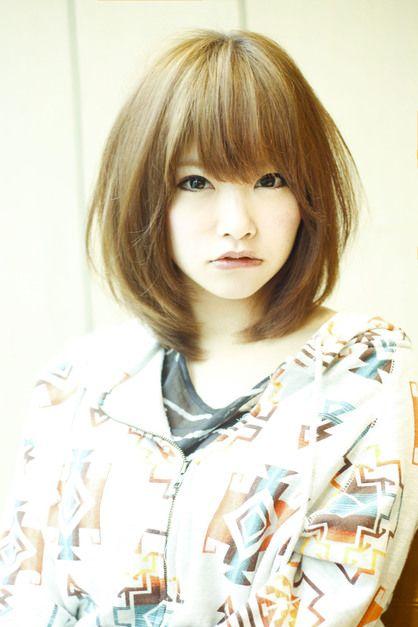 流行のミディアムレイヤースタイル Afloat Japanのヘアスタイル カワイイ髪型 ヘアスタイル 短い髪のためのヘアスタイル