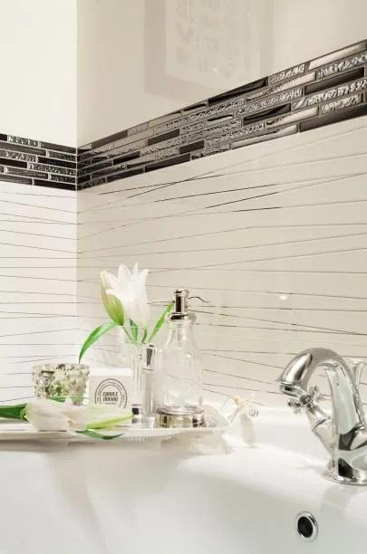 صور سيراميك حمامات 2020 بألوان وأشكال جديدة فوتوجرافر Bathroom Decor Bathroom Remodel Tile Bathroom Interior Design