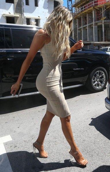 Khloe Kardashian Photos Photos - The Kardashian clan are spotted at their DASH store in Miami, Florida on September 16, 2016. Kim Kardashian's bestie Jonathan Cheban also joined the famous family during the visit.<br /> <br /> Pictured: Khloe Kardashian - The Kardashians Visit DASH in Miami