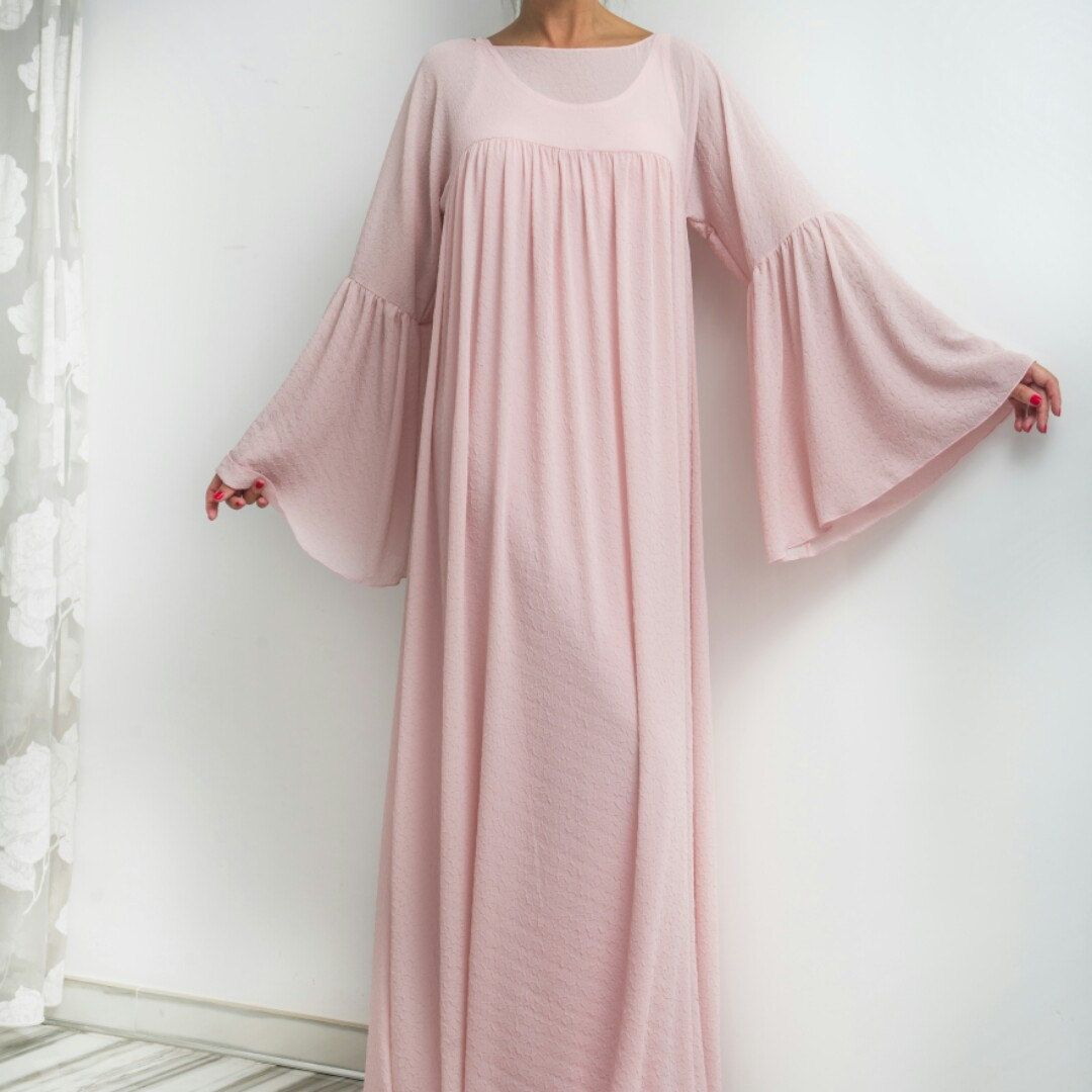 Beautiful boho pale pink dress! Romantic, extraordinary design - a lovely piece for the summer!  Check out our collection http://www.lissomecollection.co.uk/New-arrivals/Chiffon-Coral-Pink-Hijab