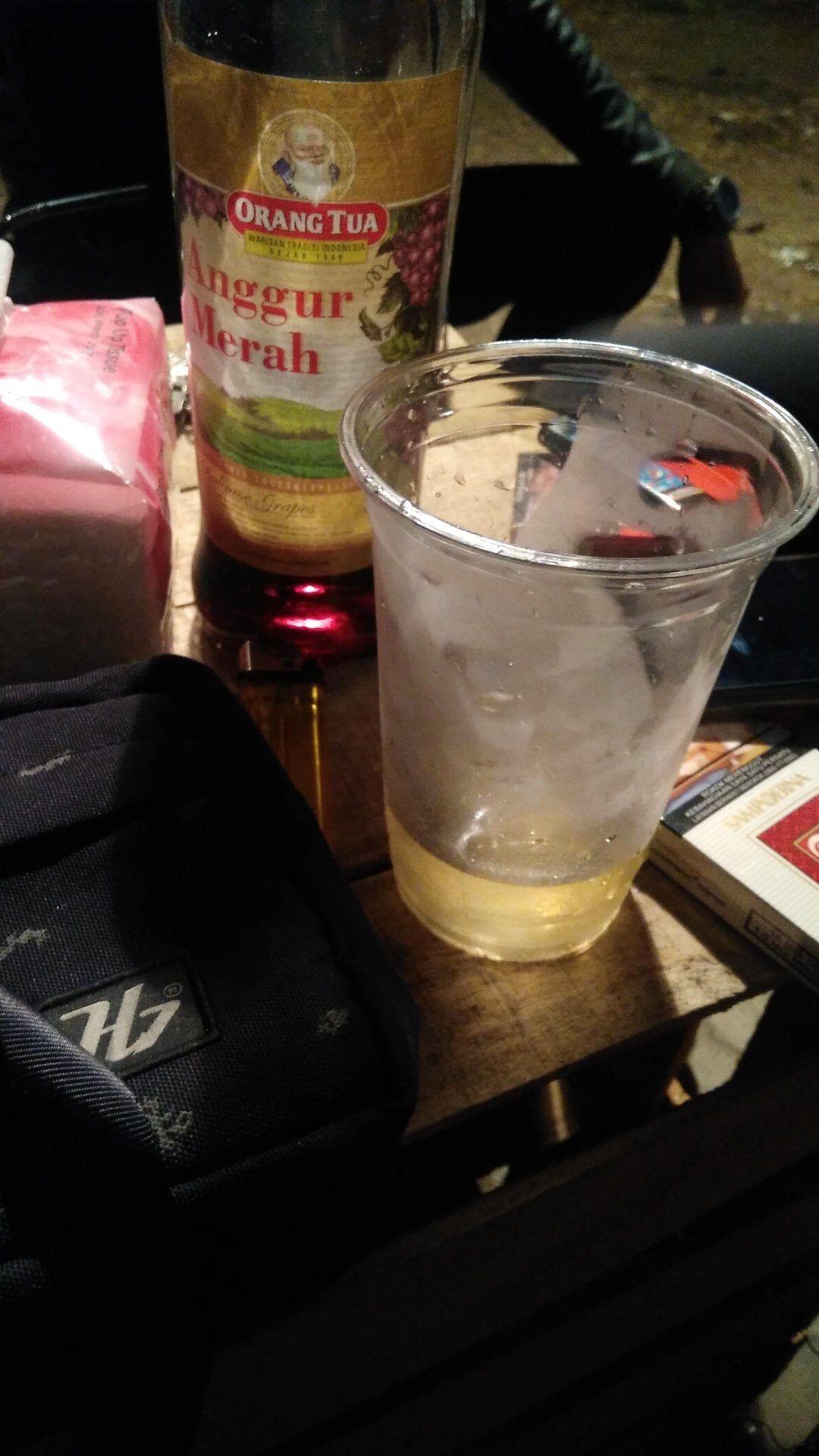 Pin Oleh Trisia Welerubun Di Anggur Merah Minuman Keras Alkohol