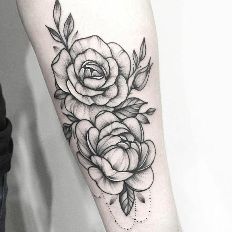 Splendide Rose In Bianco E Nero Con Delle Sfumature Grigie Idea Per Un Tattoo Avambraccio Tatuaggi Rosa Tatuaggi Idee Per Tatuaggi