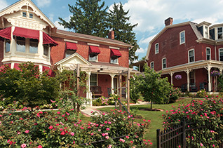 2,700,000. Gettysburg B&B for sale. Best bed and