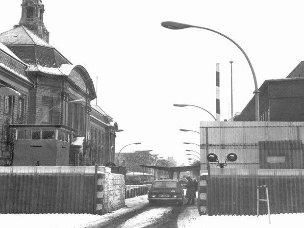 17 1971/3/5 Grenzsperre am Übergang Invalidenstraße