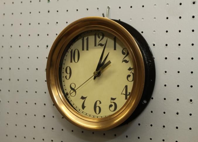 Double Sided Electric Street Clock Marked Fabr No 9817 Volt 110 15 Dia Clock Collection Auction Ending 3 17 13 Clock Auction Wall Clock