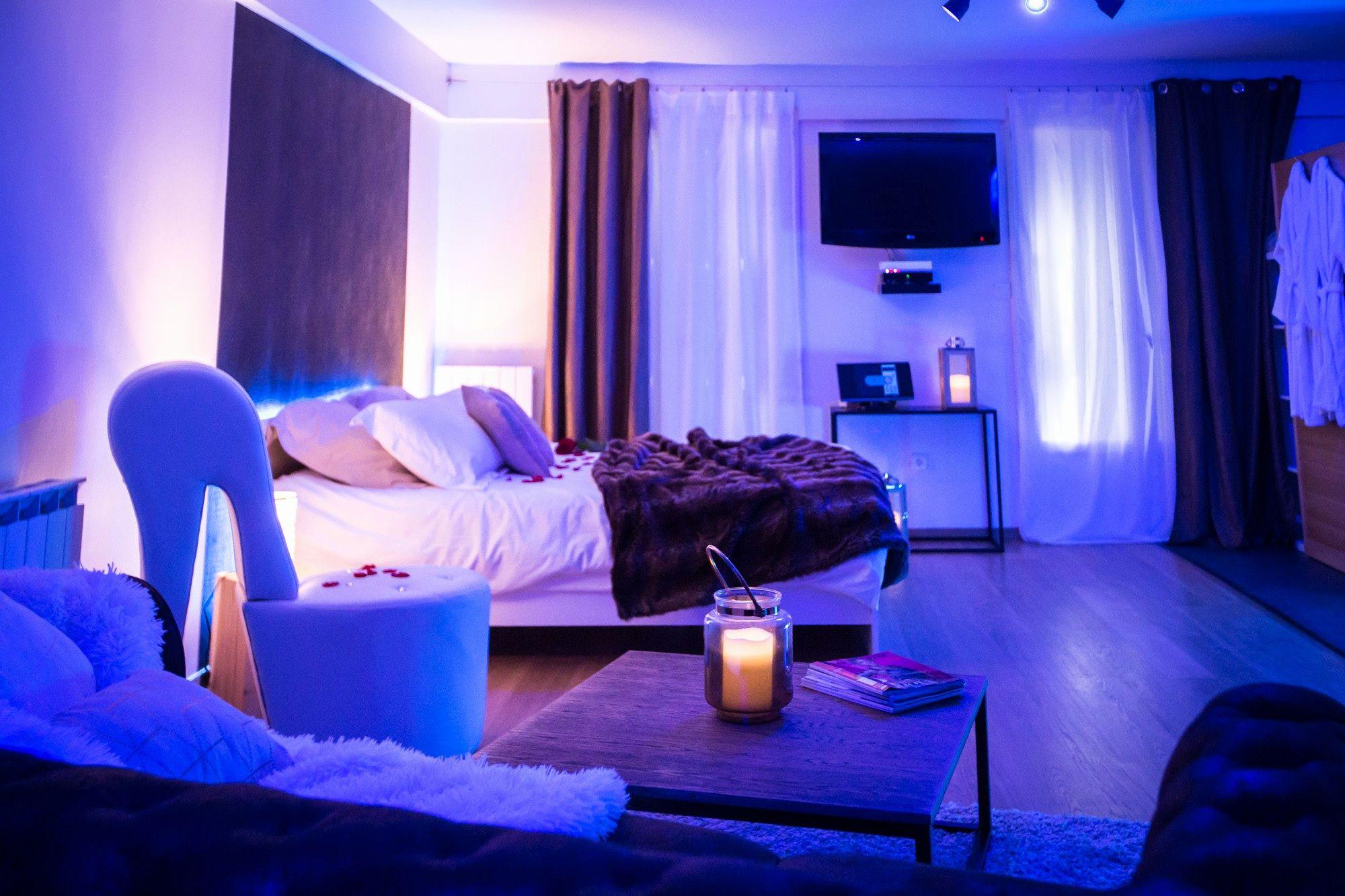 20 Hotel Avec Jacuzzi Dans La Chambre Lyon Check More At Https Leonstafford Com Hotel Avec Jacuzzi Dans La Chambre Lyon Home Decor Hotel Jacuzzi
