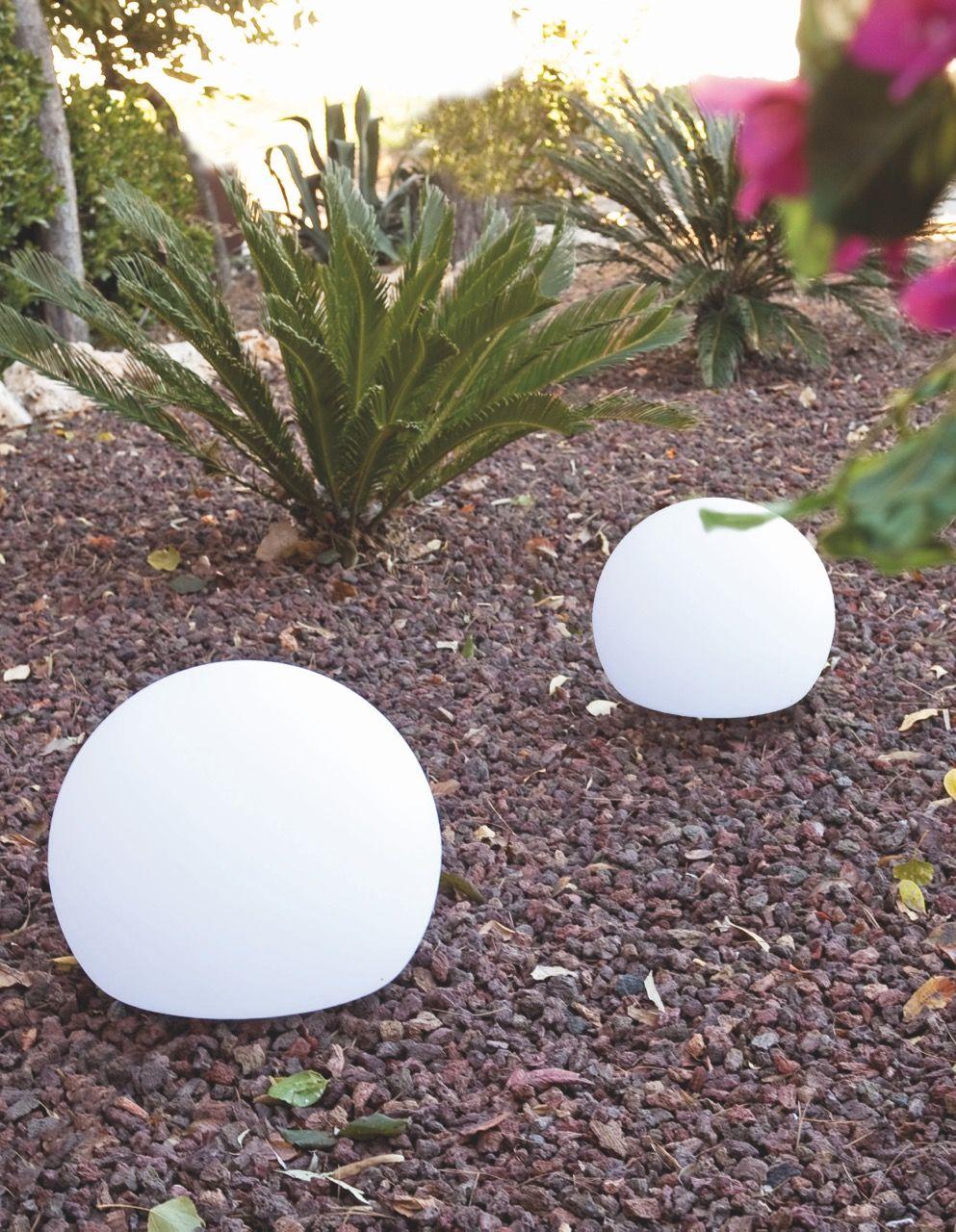 Bola de luz para jardines y exteriores 50cm jardin for Focos para exterior jardin