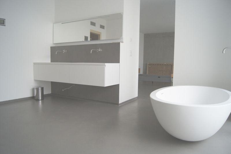 Badezimmer Fugenloser Boden   Fugenloses bad, Badezimmer ...