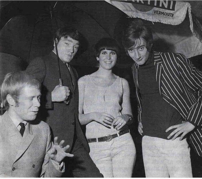 Steampacket circa 1964 L to R Long John, Brian, Julie & Rod