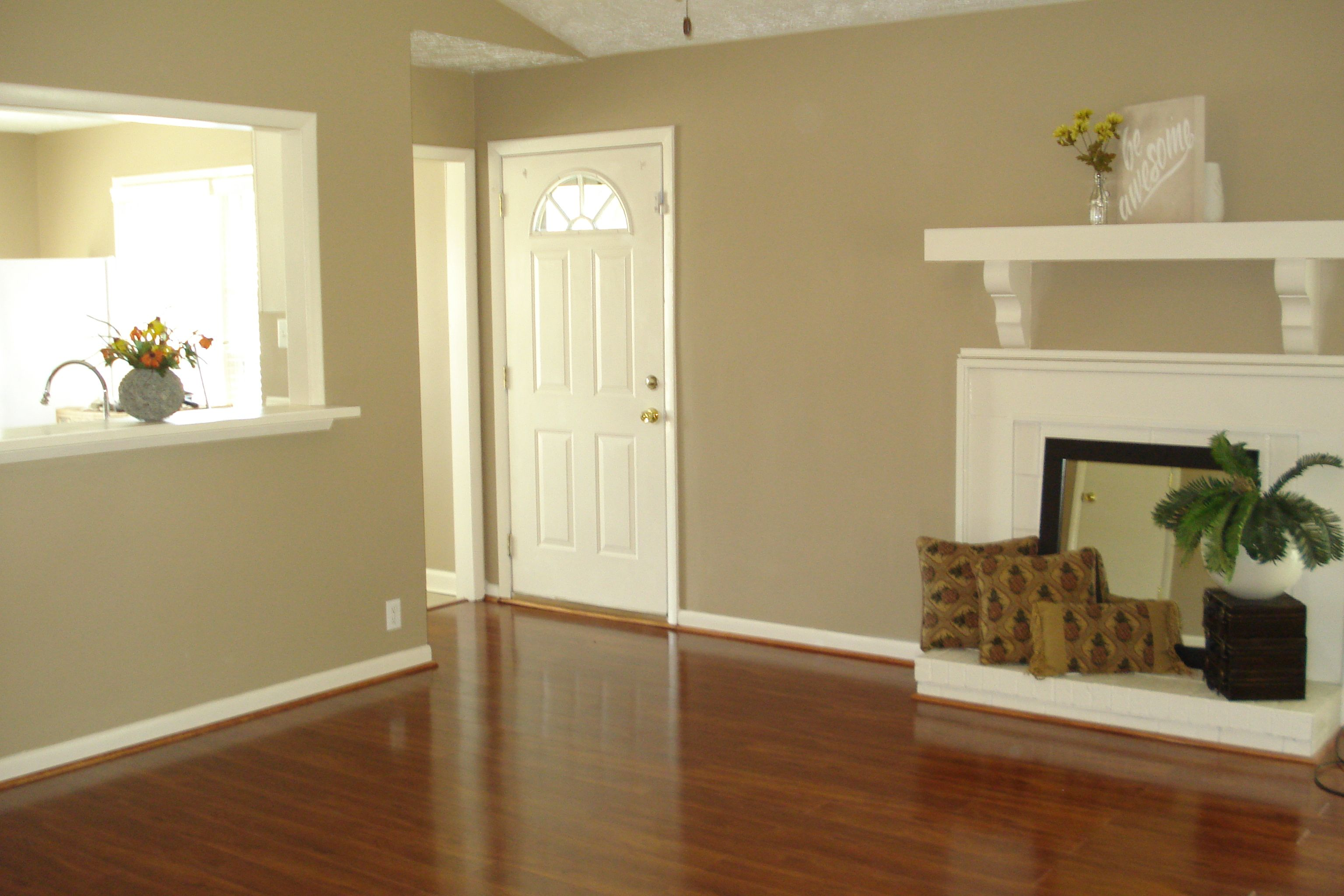 Spectacular Great Room With Modern White Fireplace 540 Hickorywood