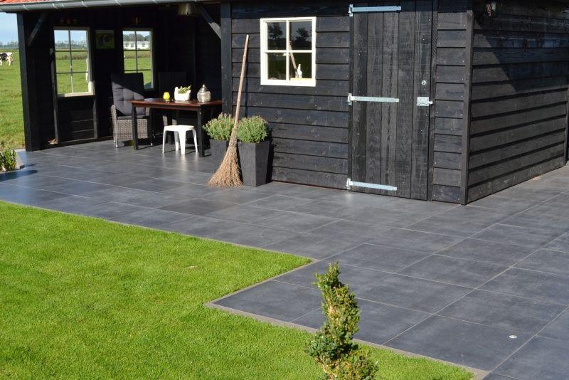 60x60 Tegels Tuin : Tuin met antraciet grijze betontegels google zoeken tuin