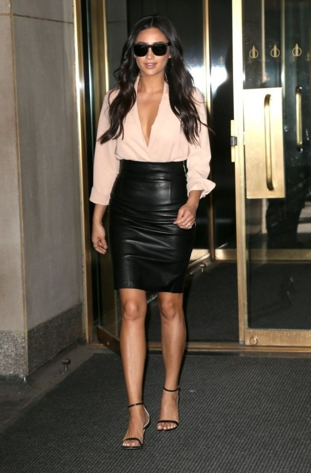 Splurge: Shay Mitchells The Today Show Piece Nude The